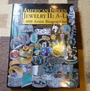 画像1: ギフトアイテム80〜 洋書 「AMERICAN INDIAN JEWELRY II A〜L」 2012年発行ハードブックカバー付き