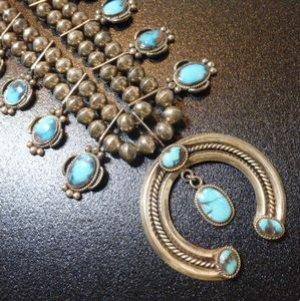 画像1: ナバホ 60Sオールドアンティーク ビスビーターコイズ付 スカッシュブロッサムネックレス約66cm