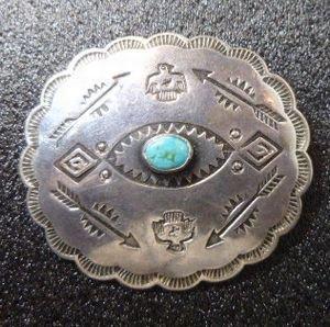 画像1: Used・Antique スタンプワーク 卍(スワスティカ)&ターコイズetc ピンブローチ
